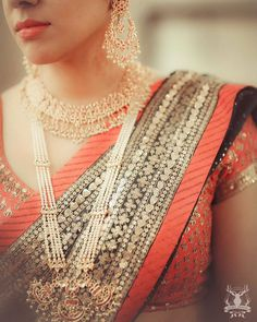 #morviimages #morviimagesbride #weddingphotography #canon #portrait #indianjewelry #indianwedding #weddinginspiration #bride #red #gold #pearl #morvibride