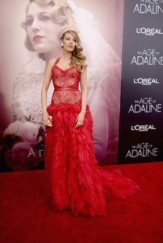 """Blake Lively bei der Premiere von """"Für immer Adaline"""" in New York (Kleid: Monique L'huillier, Clutch: Judith Leiber)"""