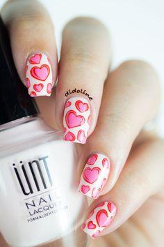 5 Nail Arts faciles et jolies pour la Saint-Valentin. #nailart #manucure #saintvalentin #coeur #heart