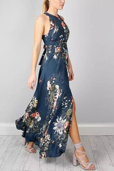 79120dbdee6 Random Floral Halter Backless Maxi Dress With Slit Detail - US 33.95