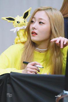 eunwoo Kpop Girl Groups, Korean Girl Groups, Kpop Girls, Jung Eun Woo, Pristin Kpop, Pledis Girlz, Korean Wave, Dye My Hair, Girls World