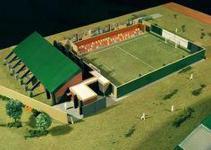 El proyecto consta de dos maquetas: Una muestra el microestadio completo y la otra es un corte del sector de la cancha de fútbol. Más info en www.maquetasmsh.com