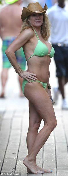 Naked its sarah miller