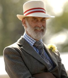 Prince Michael of Kent Dapper Gentleman, Gentleman Style, Old Man Hat, Prince Michael Of Kent, Men Tumblr, Royal Look, Mode Chic, English Style, Well Dressed Men