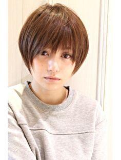 レウナ 外苑前(Reuna) 黒髪アッシュ☆かっこ可愛いノームコアxうぶバング