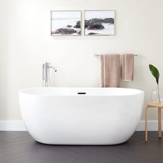 The Boyce Acrylic Tub is the ideal choice for a relaxing retreat in your master bath suite. Add your own personal touches of pampering with an air tub option, which features strategically placed jets that effectively massage you. The drain and overflow sy Small Bathroom, Master Bathroom, Bathroom Ideas, Bathroom Inspiration, Bathroom Tubs, Downstairs Bathroom, Bath Ideas, Bathroom Furniture, Shower Ideas