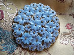 Vintage 1940s Blue Celluloid Forget Me Not Brooch