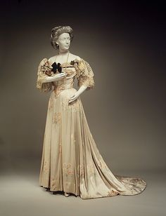 Evening Dress, House of Worth 1905, French, Made of silk