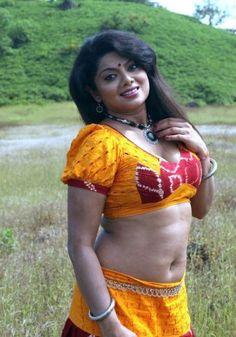 Swathi-Verma-Tamil-Mallu-Aunty-Sexy-Pics-5