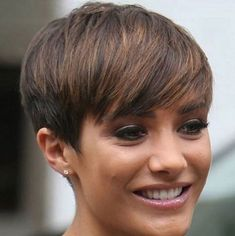 Darkblonde Pixie Hair