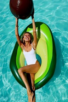 Avocado pool float, and the pit is a beach ball! Would love to floa… Avocado pool float, and the pit is a beach ball! Would love to float around in this. Summer Pool, Summer Fun, Summer Beach, Summer Vibes, Cute Pool Floats, Pool Picture, My Pool, Pool Toys, In Ground Pools