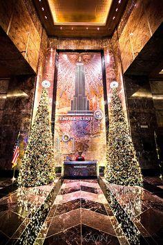 "/ Photo ""Empire State Lobby""empire state new york by Kavin Kowsari New York City Christmas, Christmas And New Year, Christmas Time, Christmas Baby, Deco New York, New York Weihnachten, Merry Christmas, Xmas, Christmas Lights"
