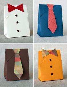 Molde para hacer una bolsa en forma de camisa.
