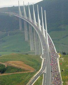Viaducto de Millau (sur de Francia)