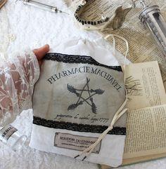 l'Apothicaire . pochette coton bio & dentelle ancienne