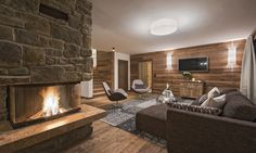 Chalet Kanzi is a luxury ski chalet in St Anton exclusively run by Kaluma Ski. An exclusive luxury ski apartment part of Chalet Eden Rock. St Anton, Log Fires, Open Fireplace, Ski Chalet, Dining Area, Lounge, Luxury, Home Decor, Airport Lounge