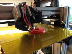 Puutarhapöydän kannen holkki tulostumassa