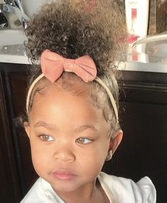 How they look 😍 Cute Mixed Babies, Cute Black Babies, Black Baby Girls, Beautiful Black Babies, Cute Little Baby, Pretty Baby, Cute Baby Girl, Pretty Eyes, Beautiful Children