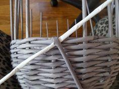 Pletení z papíru - Velikonoční košík se zajícem IV. (copánková uzavírka)