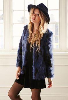Comme le dit son nom, ce manteau fait de fourrure....