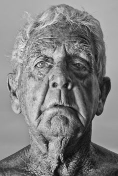 This is a very detailed headshot of an old man. I really enjoy the details of the aging, because really fascinates me. You can see emotion of weariness and tiredness in his eyes.