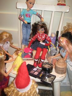 Elf on a Shelf - Extreme Makeover -- LOL! I'm sure I know a few barbies who would have a ball doing this to our elf. Noel Christmas, Christmas Holidays, Shelf Makeover, Makeover Party, Elf On The Self, Naughty Elf, Buddy The Elf, Your Turn, Christmas Traditions