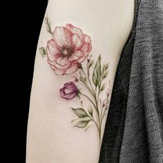 Bug tattoos are adorable and eye-catching things that most girls aspire to be. Body Art Tattoos, Small Tattoos, Sleeve Tattoos, Bug Tattoo, Get A Tattoo, Pretty Tattoos, Beautiful Tattoos, Piercing Tattoo, Piercings