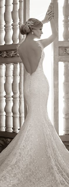 Martina Liana Spring 2015 Bridal Collection | https://bellethemagazine.com Oh. my. GOODNESS!!!!!! Perfection!!!!!!!