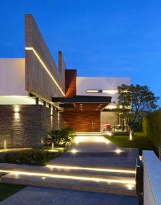 Top 10 Modern house designs – Modern Home Architecture Design, Residential Architecture, Contemporary Architecture, Floating House, Contemporary Home Decor, Contemporary Houses, House Entrance, Facade House, Exterior Design