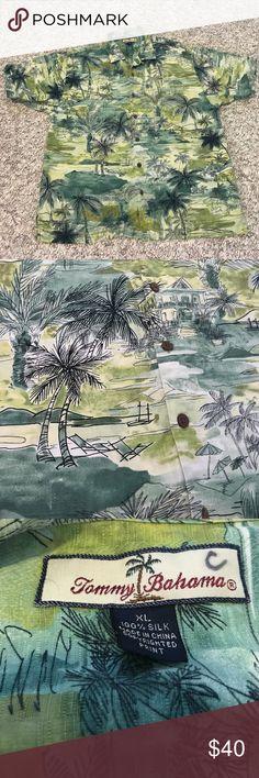 Men's Tommy Bahama Hawaii themed shirt 🏝 Perfect condition! Very Hawaiian themed with the palm trees, ocean, boats, etc. ⛵️🏝 100% silk. XL Tommy Bahama Shirts