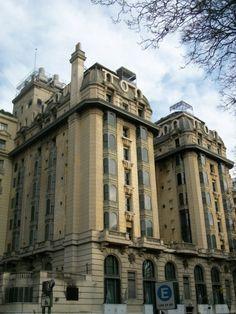 HOTEL PLAZA, Barrio Retiro, ciudad de BUENOS AIRES, ARGENTINA - Visto desde la Plaza San Martín.