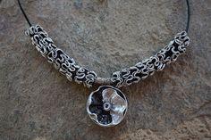 bijoux collier capsule café nespresso recyclé noir et blanc : Collier par cococreative