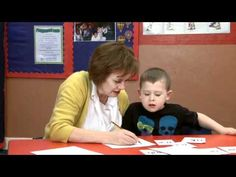 Ruth Miskin (creator of Read, Write Inc) demonstrates how to teach complex sounds. - YouTube