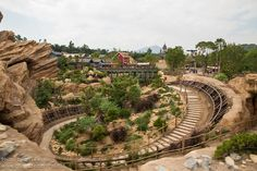 HKDL Oct 2012 - Riding Big Grizzly Mountain Runaway Mine Cars | Flickr - Photo Sharing!