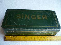 schöne alte Blechdose für Nähmaschine Singer