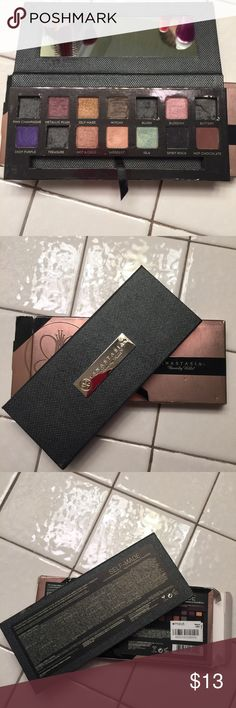 ABH Self-Made Palette 100% Authentic still have the box, discontinued palette. I did depot pink champagne, blush, buttery, and treasure. A few colors were never touched, the others swatched with a clean eyeshadow brush. The original ABH brush isn't included with this palette. Anastasia Beverly Hills Makeup Eyeshadow
