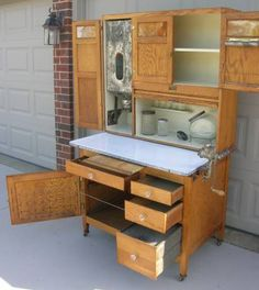 Cupboards, Kitchen Cabinets, Bakers Cabinet, Antique Hoosier Cabinet, Old And New, Vintage Furniture, Childhood Memories, Primitive, Kitchen Island