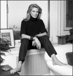 Candice Bergen so good in Murphy Brown Candice Bergen, Hollywood Stars, Old Hollywood, Beautiful People, Beautiful Women, Amazing Women, Murphy Brown, Angela Lansbury, Diana Vreeland