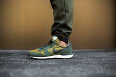 Nike Internationalist Melt Green/Dark Obsidian-Carbon Green