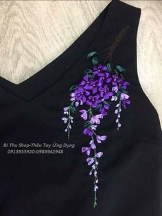 Marvelous Crewel Embroidery Long Short Soft Shading In Colors Ideas. Enchanting Crewel Embroidery Long Short Soft Shading In Colors Ideas. Ribbon Embroidery Tutorial, Hand Embroidery Flowers, Hand Embroidery Stitches, Silk Ribbon Embroidery, Crewel Embroidery, Embroidery Dress, Sewing Stitches, Embroidery Patterns, Embroidery On Kurtis