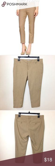 """Gap Slim Cropped Dress Pants -Tan Herringbone - 4P Gap Slim Cropped Dress Pants -Tan Herringbone - 4P  Perfect for the office! Versatile tan herringbone print matches everything!   Size 4P. Excellent used condition. Inseam: 23.5"""" GAP Pants Trousers"""