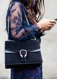 Lacy navy dress + Bag = Perfection.сумки модные брендовые, http://bags-lovers.livejournal.com/