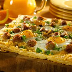 Perfect for a special breakfast or brunch, this savory breakfast tart is surprisingly easy to make. With sausage, potatoes, eggs and Cheddar, this tart has it all! What's For Breakfast, Savory Breakfast, Breakfast Dishes, Breakfast Recipes, Healthiest Breakfast, Breakfast Sandwiches, Breakfast Pizza, Breakfast Options, Health Breakfast