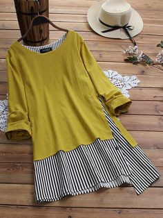 Gracila Patchwork Striped Fake Two Piece Long Sleeve T-Shirt look chipper and natural. NewChic has a lot of women T-shirts online for your choice, believe you will find your cup of tea. Shirt Diy, Themed Outfits, Blouse Vintage, T Shirts For Women, Clothes For Women, Plus Size Blouses, Mode Outfits, Casual T Shirts, Ideias Fashion