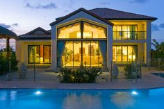 10 Tips on Avoiding Scams in Vacation Rental Homes - http://thebesttravelplaces.com/10-tips-on-avoiding-scams-in-vacation-rental-homes/