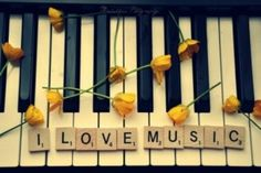 #music #piano #yellow #flowers #love Like this idea