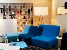 Canapé « Confluences », ici en version trois places, H 85 x L 250 x P 104/158 cm, en laine Divina (100 % laine vierge), déhoussable, design Philippe Nigro, 3 881€, Ligne Roset.