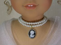 Double Strand CAMEO PEARL NECKLACE Glass by idreamofjeannemarie