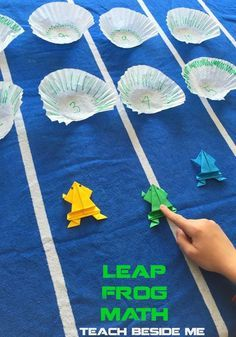Play math with this leap frog math learning game! Practice addition, subtraction or any other problems. Also learn how to make an origami jumping frog! Frog Games, Math Activities For Kids, Spring Activities, Math For Kids, Fun Math, Kids Fun, Math Class, Theme Nature, Jumping Frog