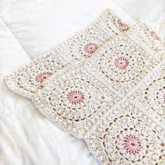 The Blanket Shrug - Free Crochet Pattern - Jewels and Jones Crochet Throw Pattern, Easy Crochet Blanket, Granny Square Crochet Pattern, Basic Crochet Stitches, Crochet Basics, Crochet Motif, Free Crochet, Crochet Patterns, Shrug Pattern